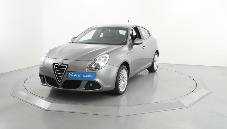 voiture alfa romeo giulietta 2 0 jtdm 170 exclusive tct occasion diesel 2013 138600 km. Black Bedroom Furniture Sets. Home Design Ideas