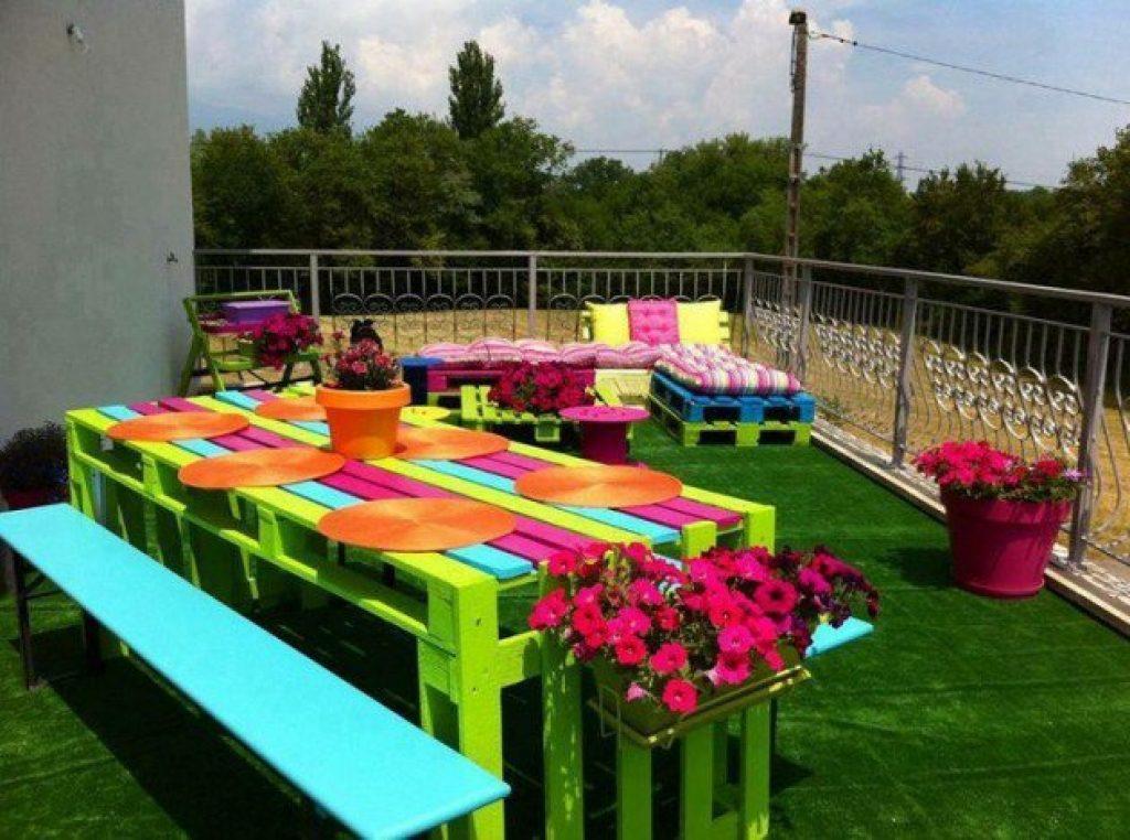 Ocho ideas económicas de muebles para el patio/jardín