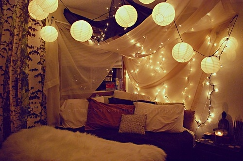 bedroom-lanterns-lights-pretty-room-Favim.com-131501