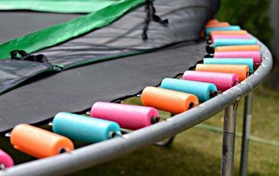 nouille-trampoline