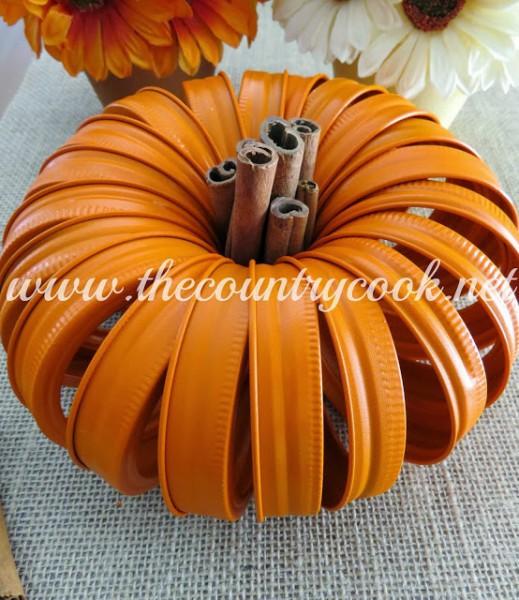 Mason-Jar-Lid-Pumpkins