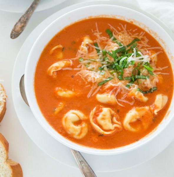 slow-cooker-creamy-tomato-basil-soup4-srgb