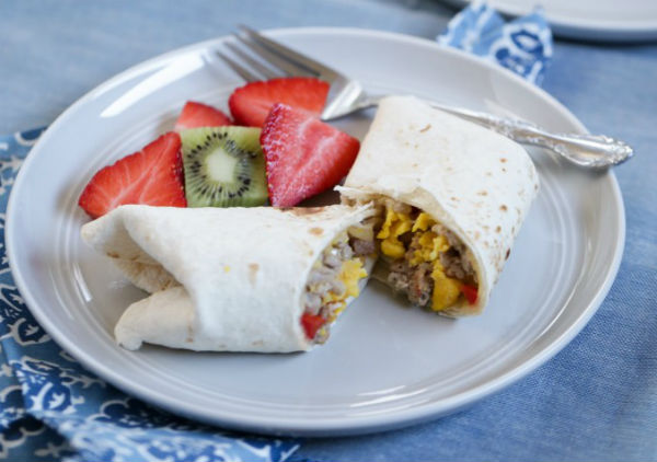 Freezer-Breakfast-Burritos-real-food-4027-682x1024