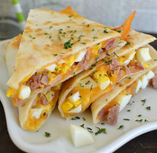 Yum-Im-always-looking-for-a-fast-breakfast-because-who-has-extra-time-in-the-morning-You-could-add-anything-else-you-wanted-to-these-breakfast-quesadillas-Little-Dairy-on-the-Prairie