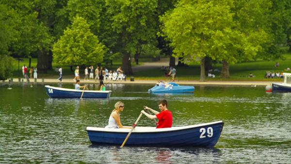 1446-640x360-boat_hydepark_640