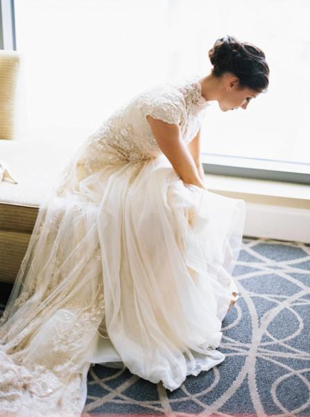 high-neck-modest-wedding-dress-yolan-cris