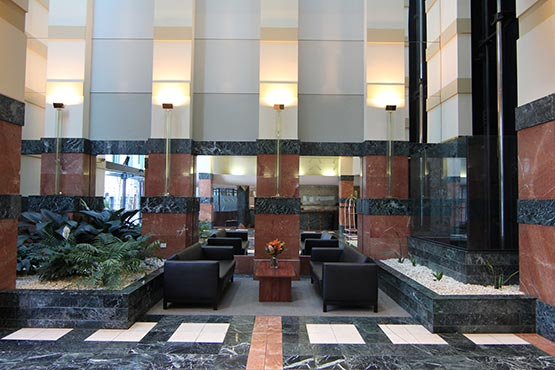 Paramount Serviced Apartments Melbourne Hotel Lobby