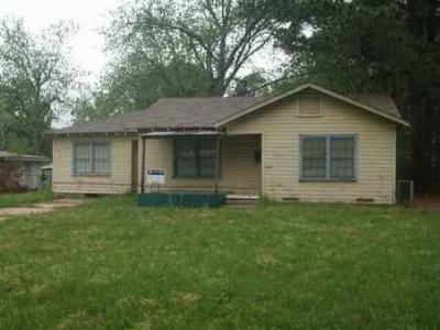 Dekalb TX Single Family Home Sold By Listing Office: $8,300