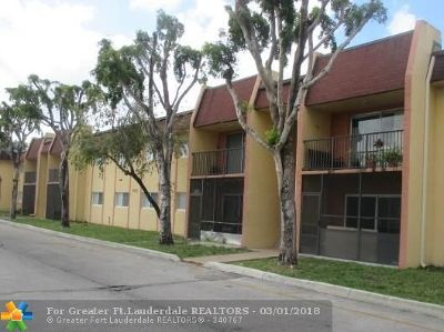 Lauderhill FL Condo/Townhouse Sold: $64,900