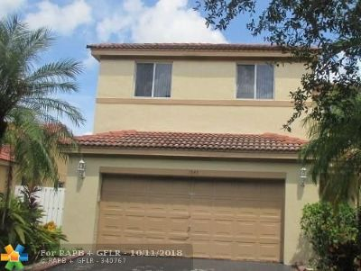 Weston FL Single Family Home Pending Sale: $359,900