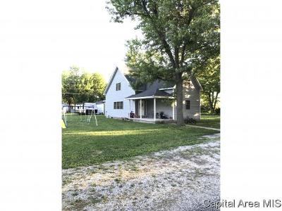Stonington IL Single Family Home For Sale: $134,900