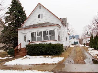 Marinette WI Single Family Home For Sale: $62,000
