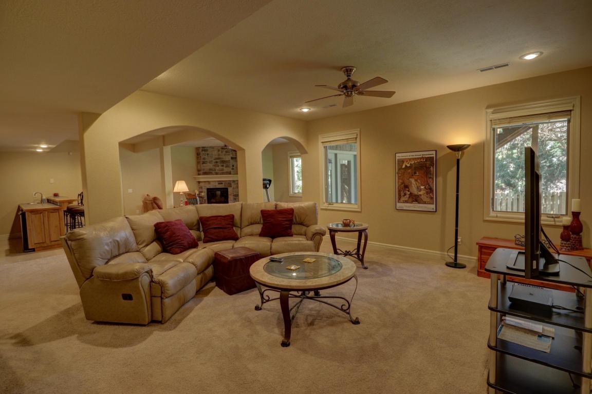 Living Room Furniture Springfield Mo 3975 East Gastonbury Street Springfield Mo Mls 60069525