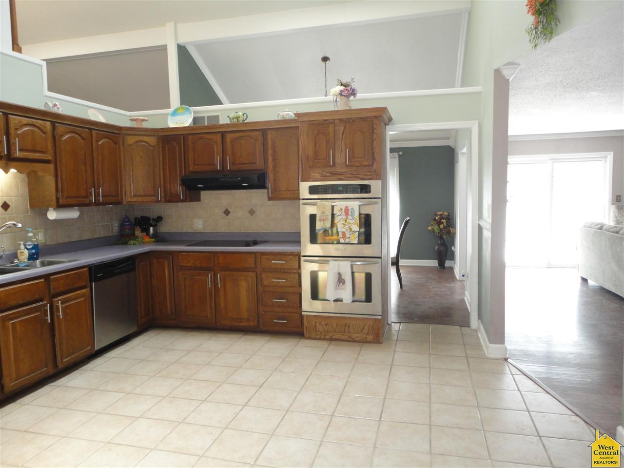 118 s prospect ave for sale sedalia mo trulia country kitchen