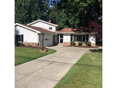 North Olmsted OH Single Family Home Sold: $152,000