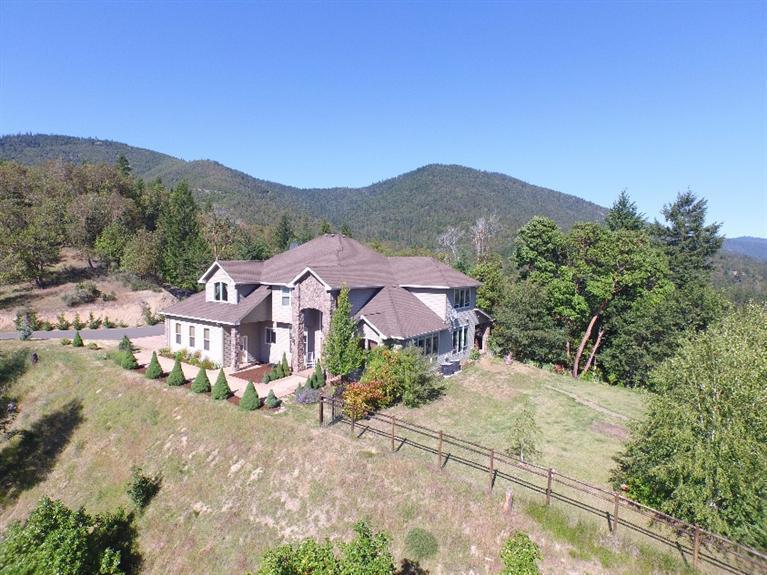 Listing: 940 Palomino Drive, Grants Pass, OR. MLS 2956429  Buy Southern Oregon Real Estate