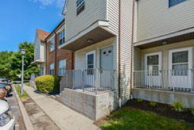 Condo/Townhouse ACTIVE: 708 Woodchip Road