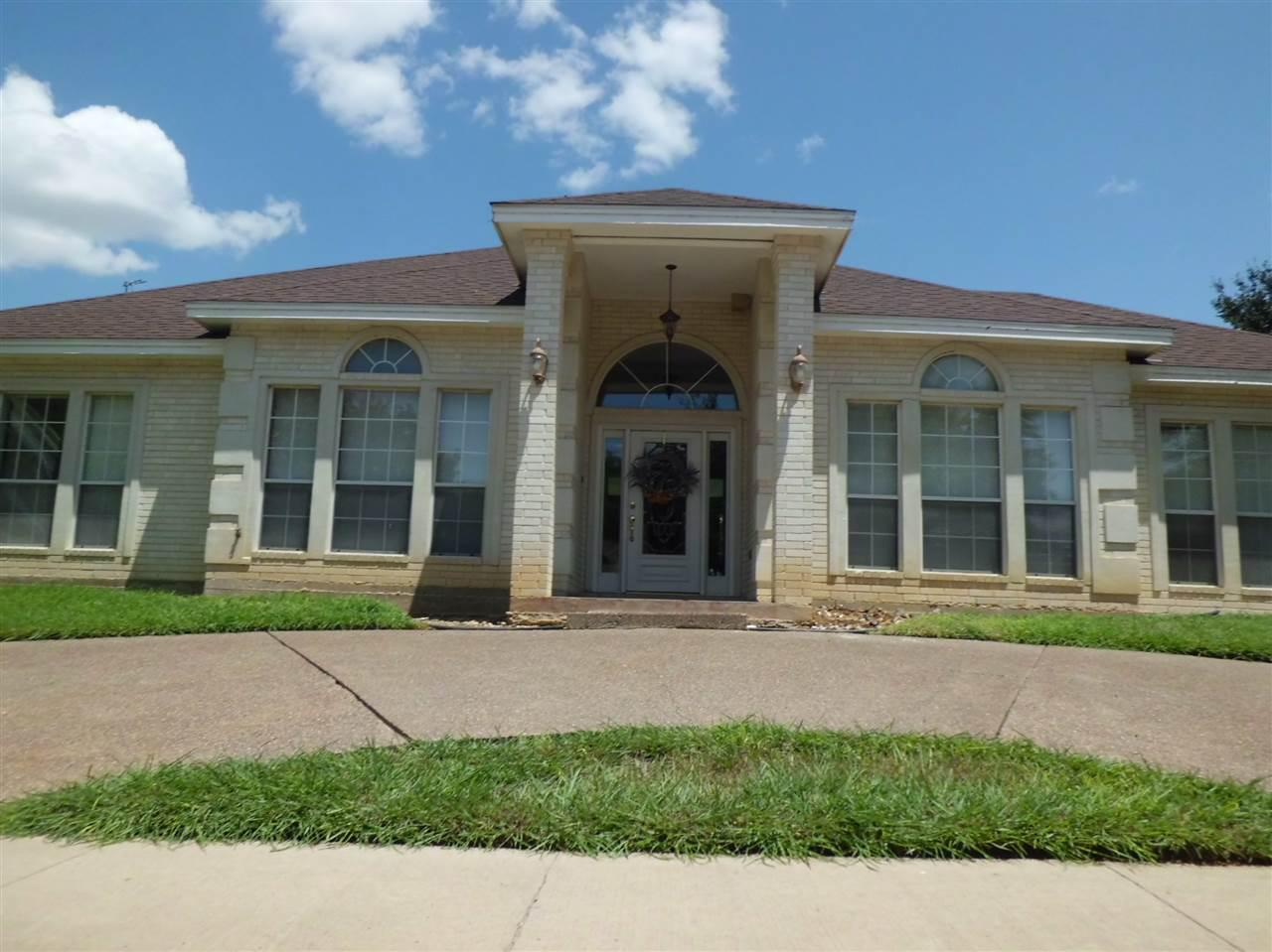 Listing 8801 crossway dr laredo tx mls 20152580 for Laredo home builders