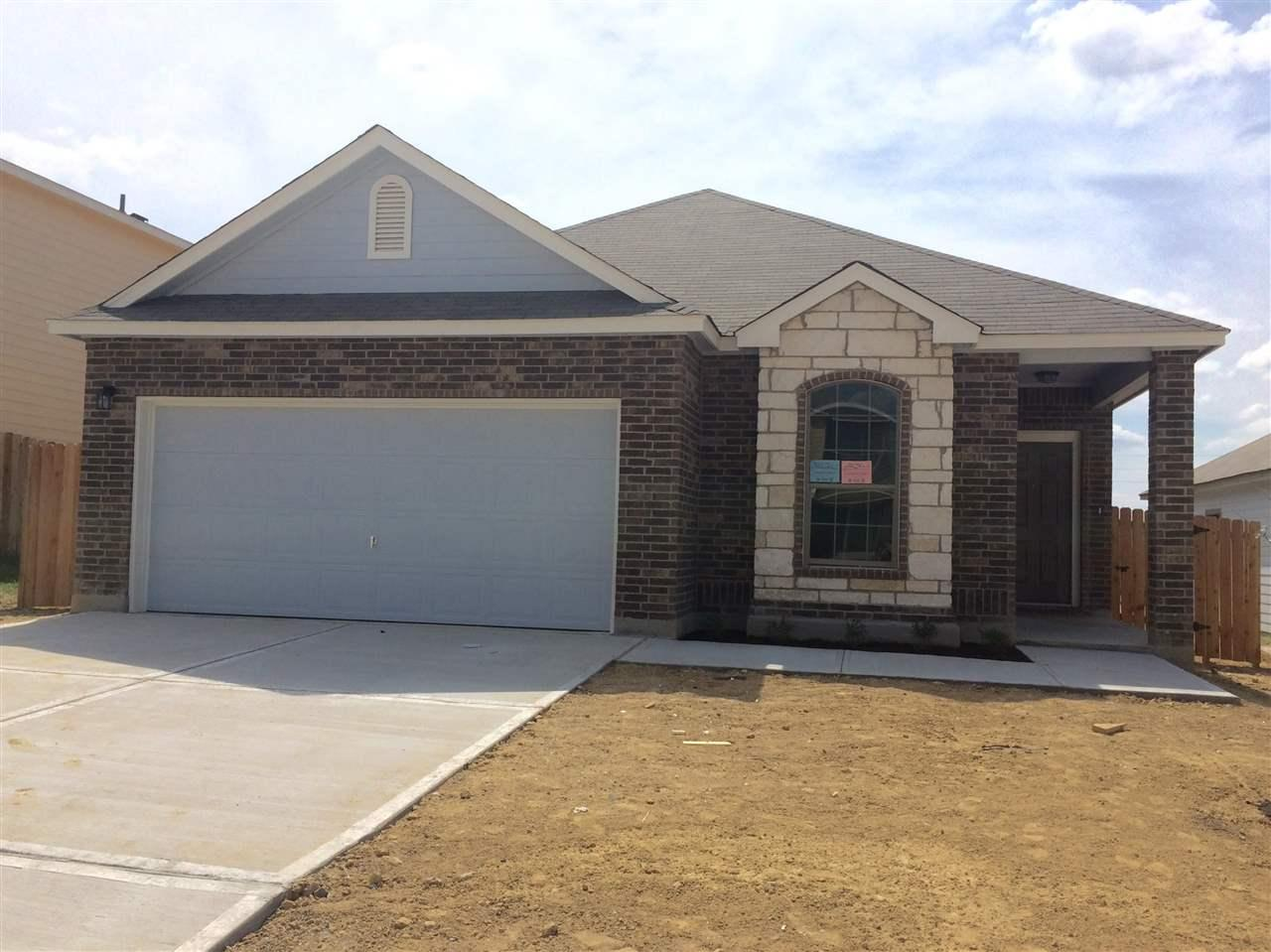 Listing 3405 nubes dr laredo tx mls 20153223 homes Home builders in laredo tx