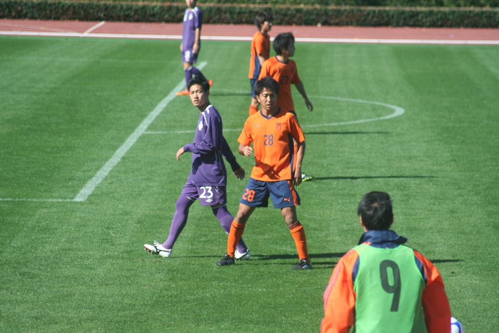 土橋優樹選手はボランチとして先発