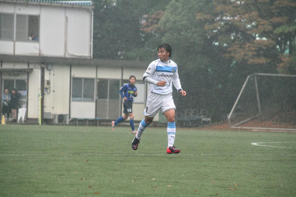 ボランチを担った安永玲央選手。攻守に活躍した