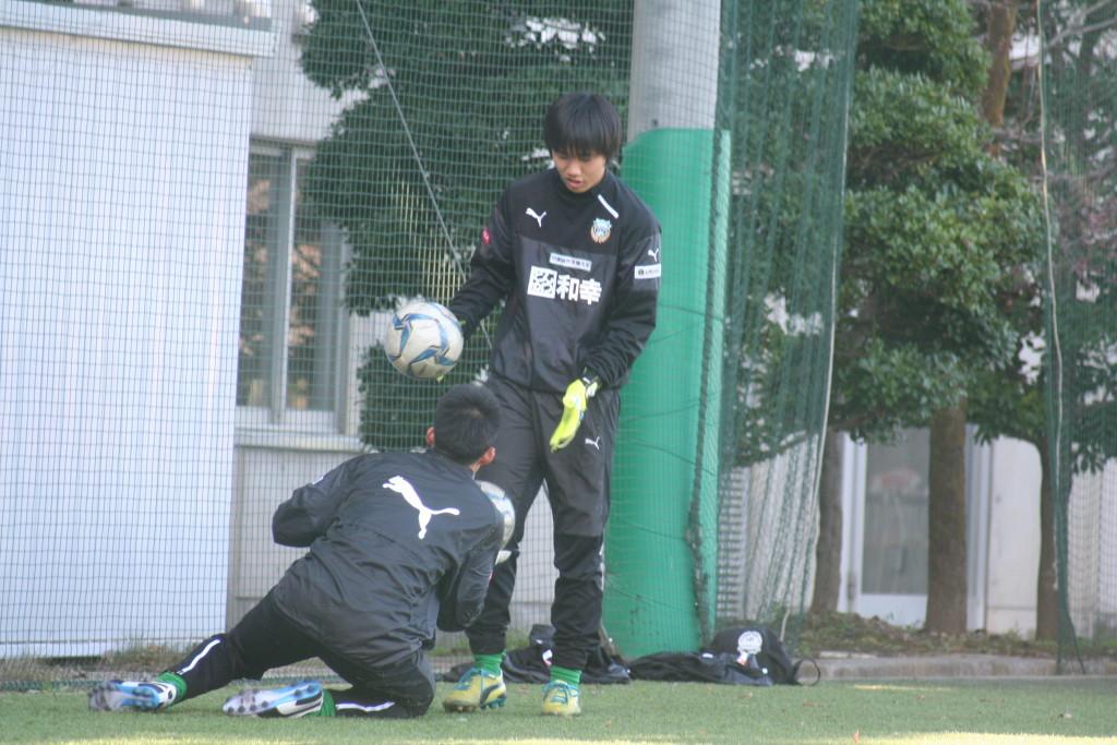 トレーニングに励む浅川将輝選手