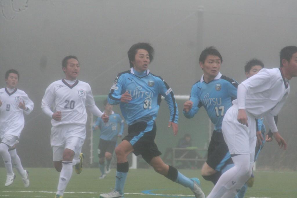 中で待ち構える村田選手と道本選手