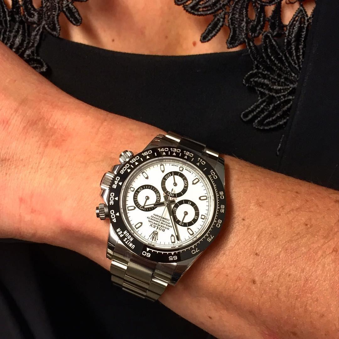 Rolex , A Rolex Daytona on a lady\u0027s wrist