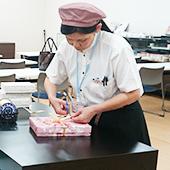 株式会社梅林堂 / 車通勤OK!未経験歓迎☆老舗和菓子屋の販売スタッフ【正社員】