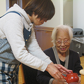 社会福祉法人 馬橋福祉会 特別養護老人ホームなでしこ / 産育休取得100%◎賞与4ヶ月★資格費用負担0の介護職【正】