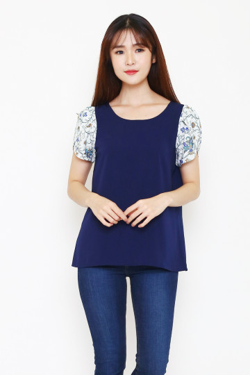 Thia Tulip Top in Navy image