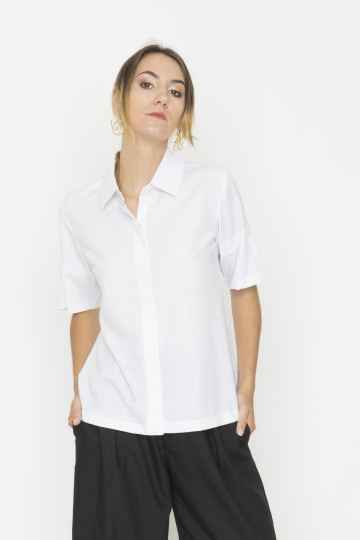 White Un Shirt with Details on Sleeve