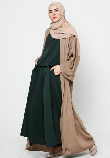 INNER SET TOP AND CULLOTES PANTS in DARK GREEN
