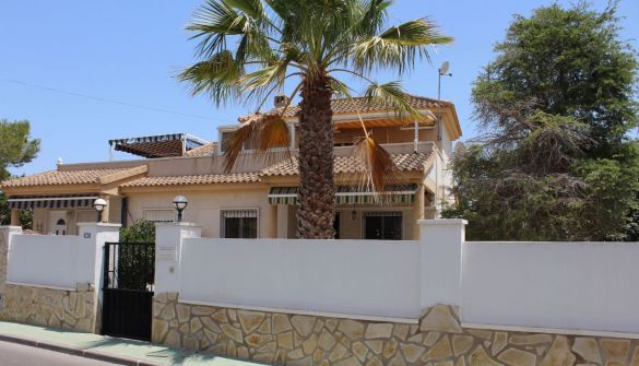 Semi-detached House in El Pinar de Campoverde, for sale