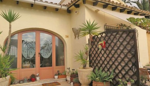 Bungalow For Sale in Moraira-MPA160083M