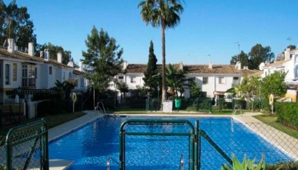 Terraced House in Estepona, ATALAYA, for sale