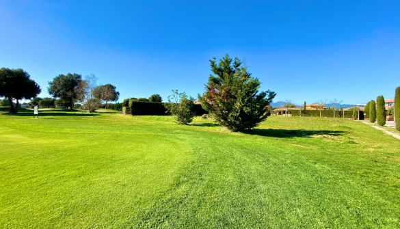 Plot in Navata, TorreMirona Golf & Spa, for sale