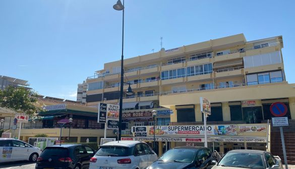 Commercial property in Torremolinos, Playamar, for sale