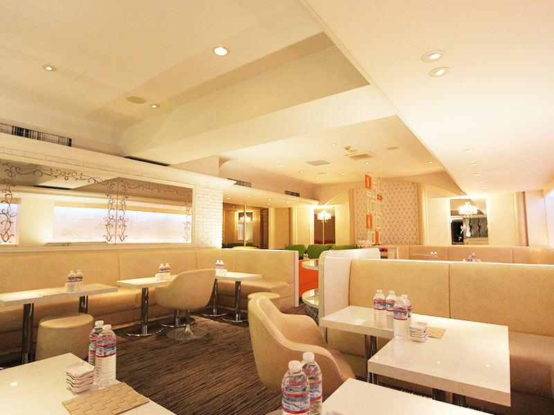 Club R's Cafe【アールズカフェ】(銀座)