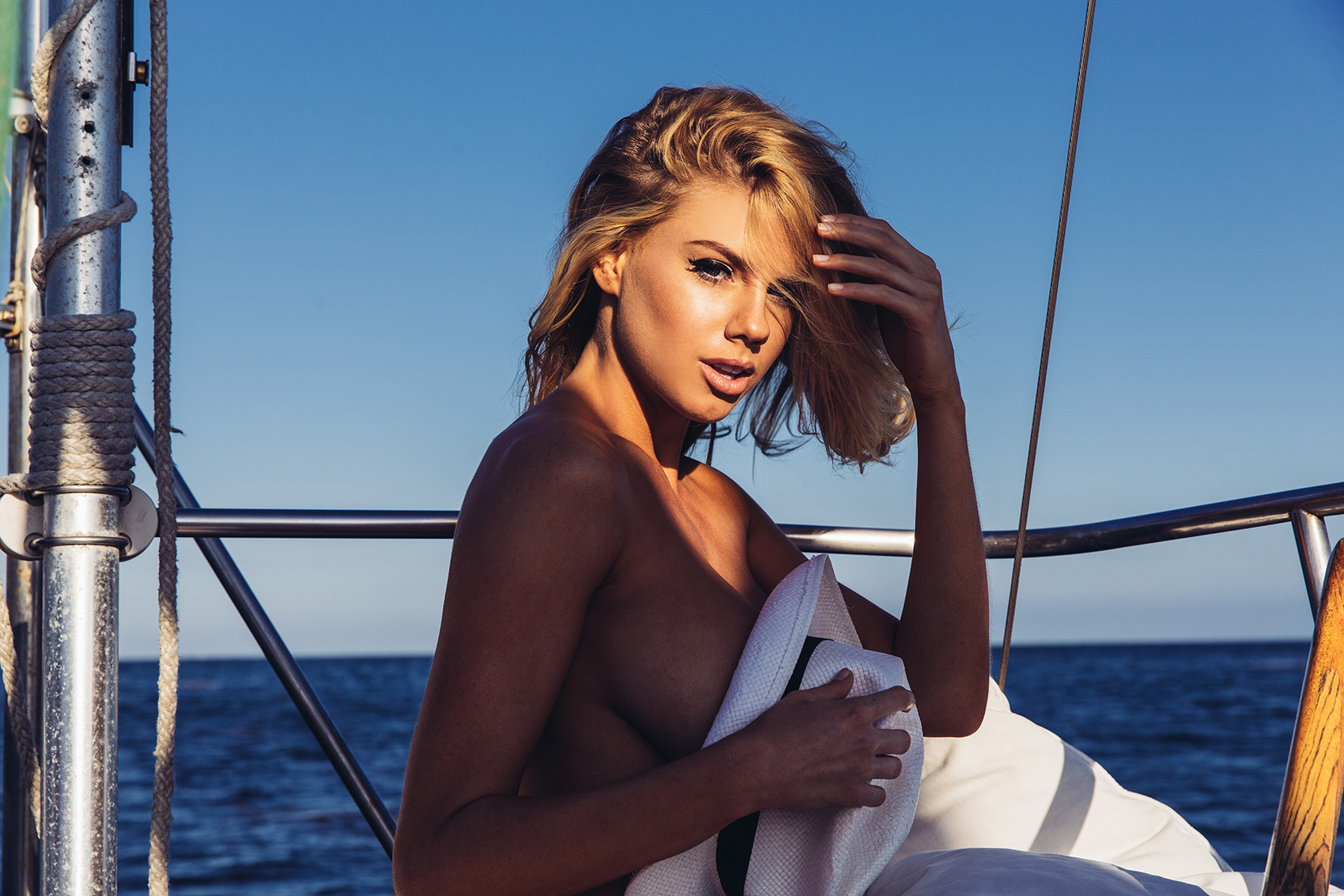 Rendezvous :: Charlotte McKinney for The Hundreds Magazine ...
