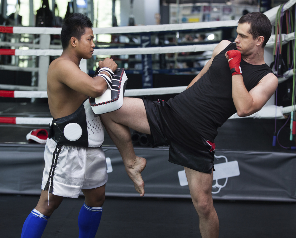 Muay Thai knee kick