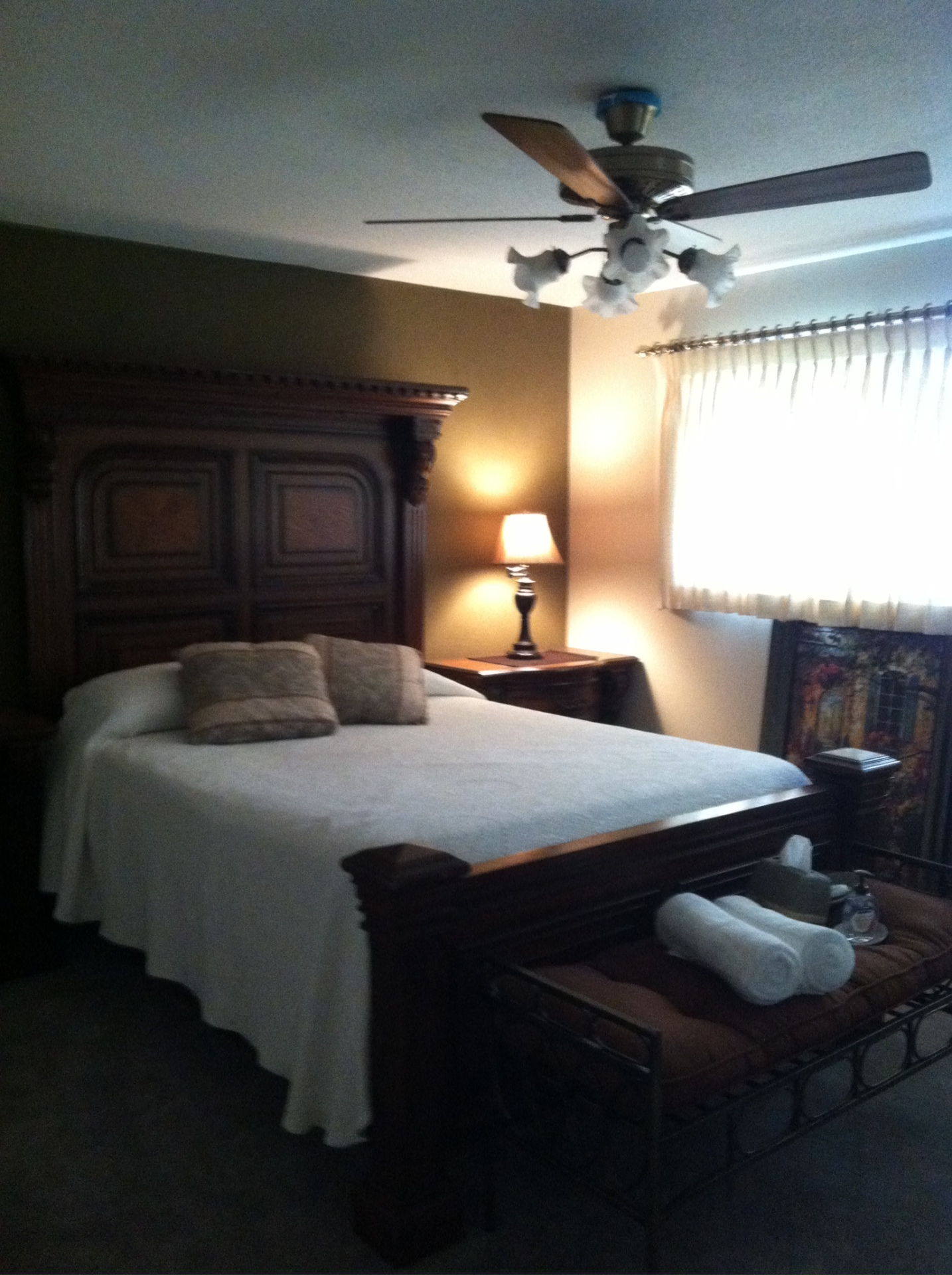 King or Queen Bed