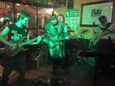 BRAGE @ Mo's Irish Pub - Milwaukee, IL
