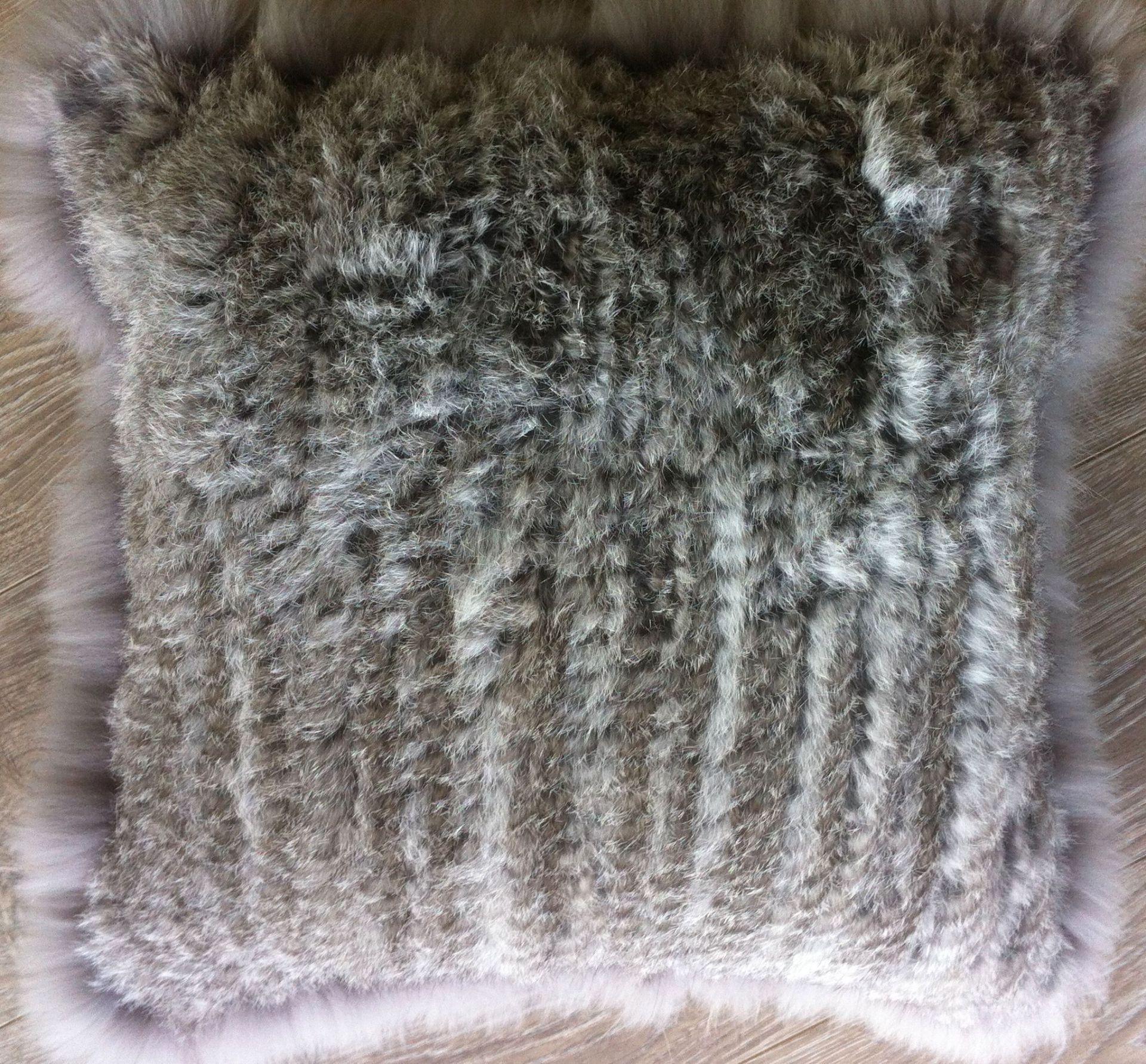 Rabbit small cushion