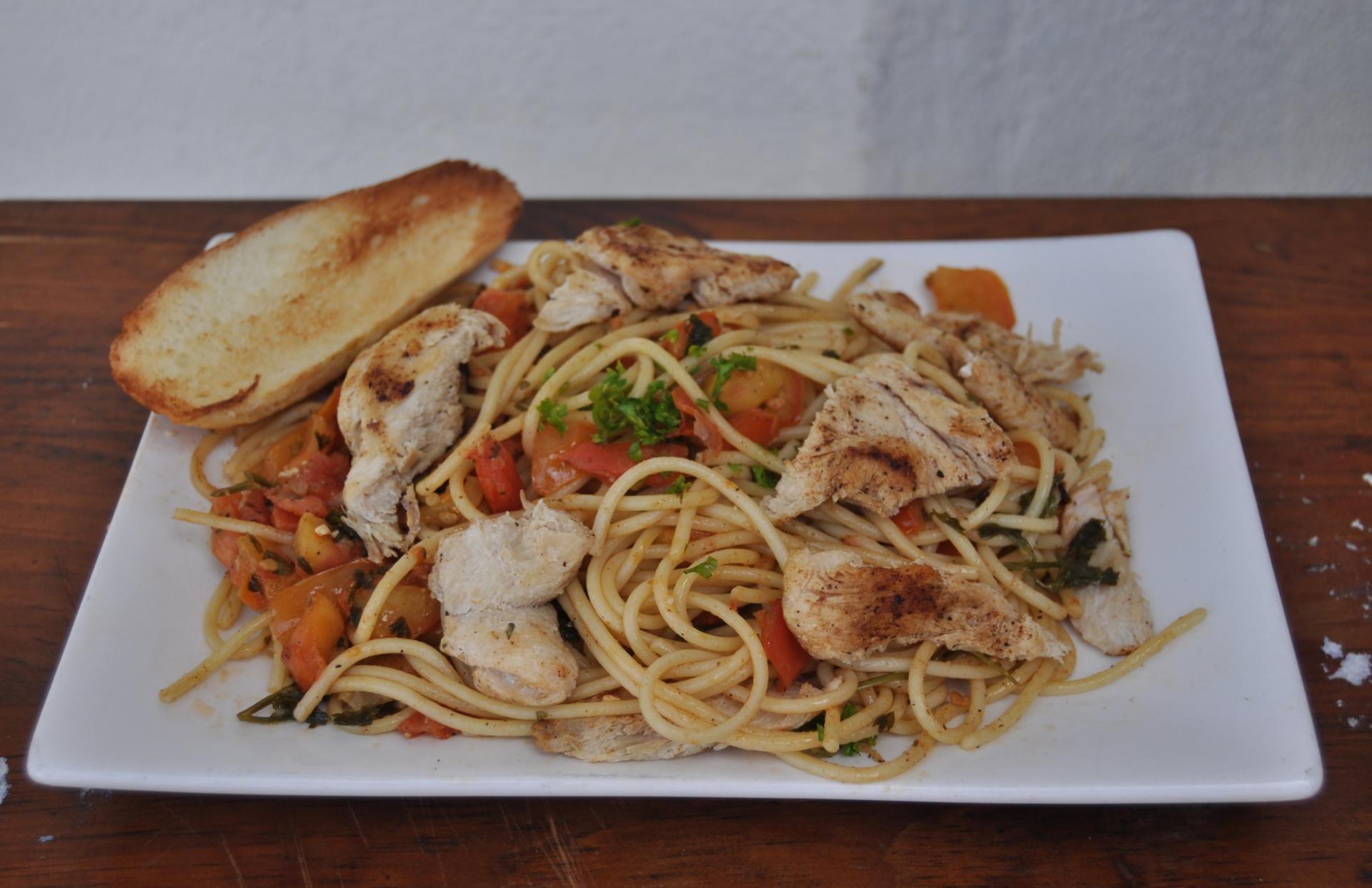 Spaghetti with Fresh Tomato and Cilantro