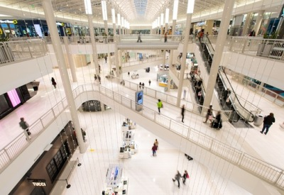 MALL OF AMERICA TO STAY BIGGEST