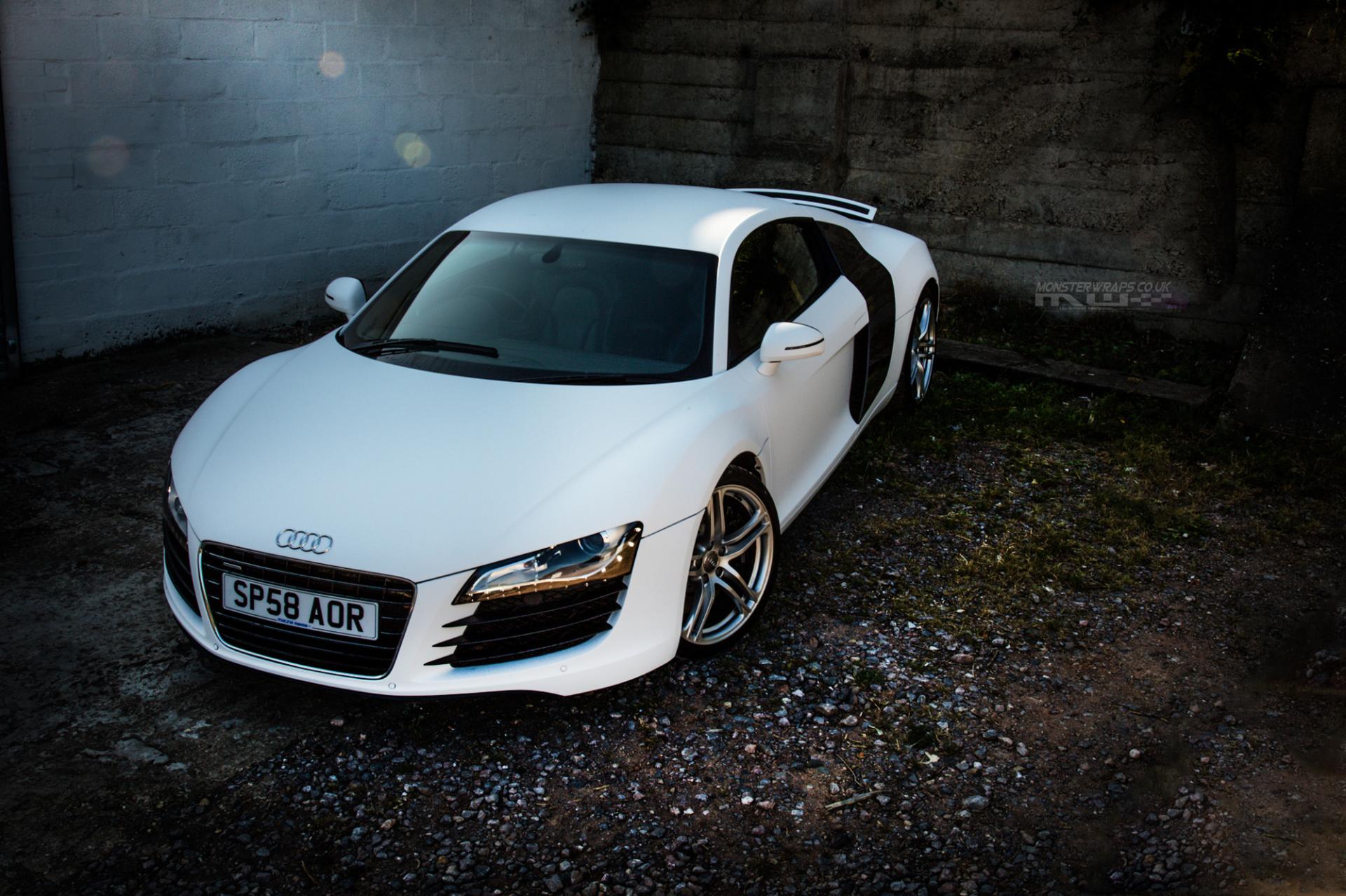 Audi R8 Car Wrap 3m 1080 Matte White Chrome Gold Wrap