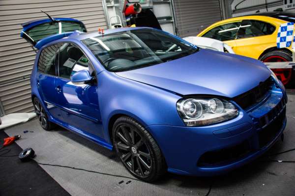 VW Golf R32 Matte metallic blue wrap