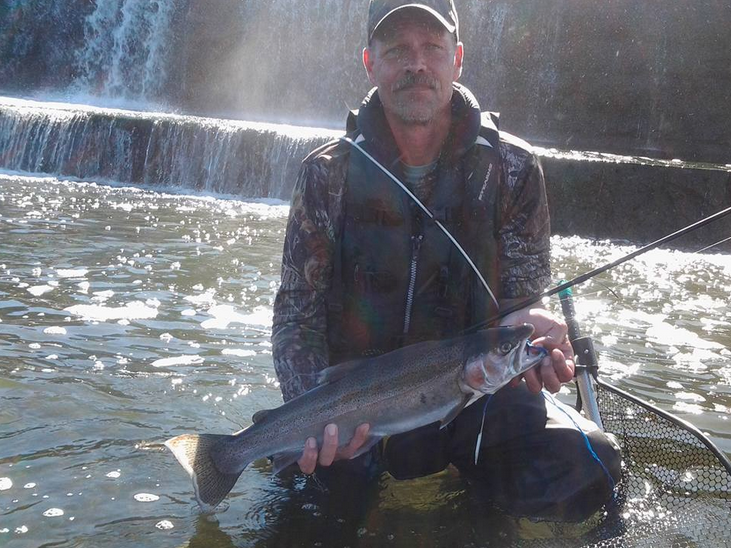 Oswego river fishing report angler catches 14 rainbow for Oswego river fishing report