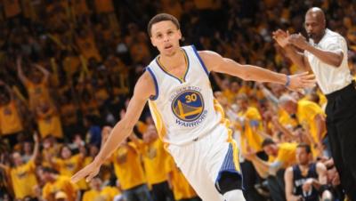 Curry gana por segunda vez premio MVP